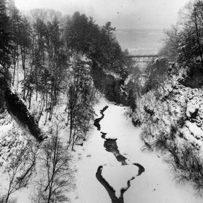 Winter 2014 Ithaca NY - view to the westfrom Cornell suspension bridge